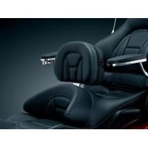 Opěrka řidiče instalovaná do sedadla