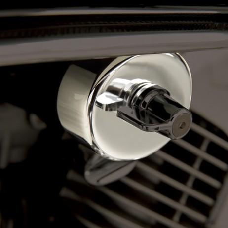 Chromovaná krytka palivového ventilu