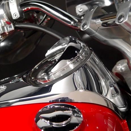 Chromovaný kšilt tachometru Honda